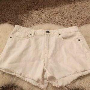 paige white denim shorts!